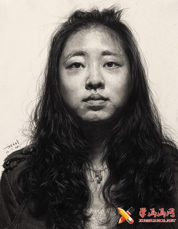 刘斌画室女青年素描头像