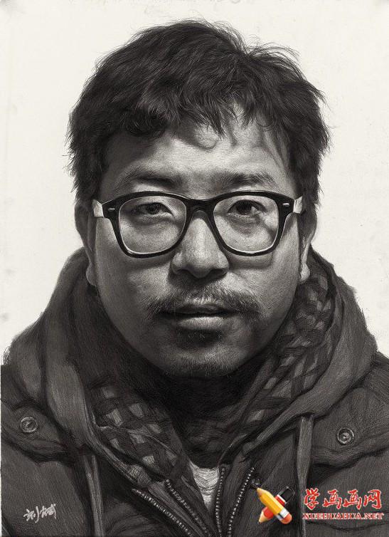 刘斌画室男教师素描头像