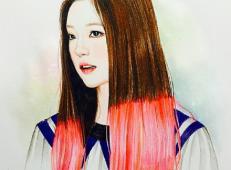 彩铅画作品欣赏《长的像赵薇的女孩》.jpg