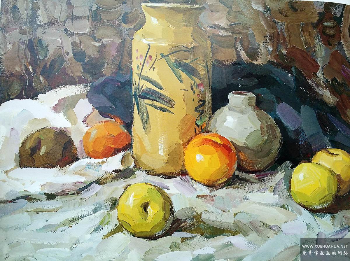 优秀水粉画作品欣赏_冷色调花瓶衬布水果(1)