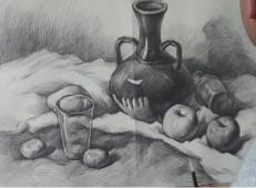 素描静物视频教程:陶罐、苹果、玻璃杯、浅色衬布的画法