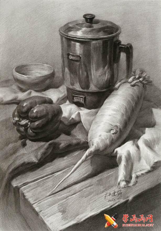 静物素描图片:不锈钢水壶、青椒、白萝卜、碗、白衬布的画法高清临摹素材(1)