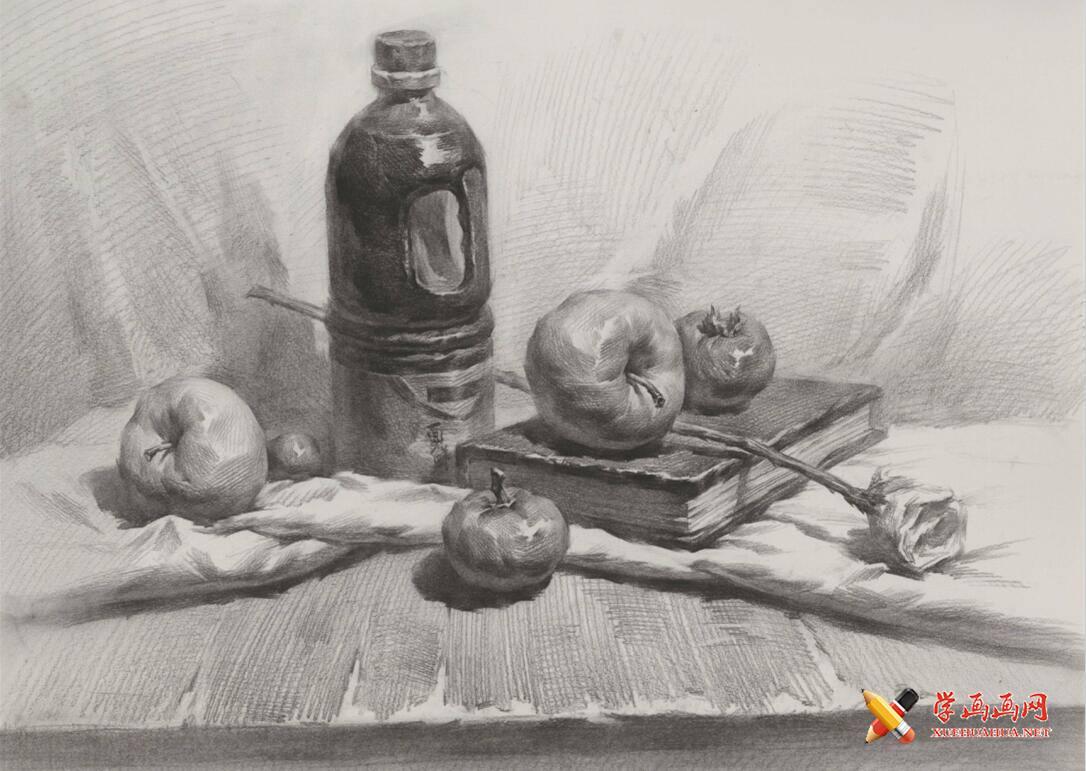 静物素描画:酱油壶、玫瑰花、面包、书、苹果组合画法高清临摹图片(1)