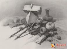 优秀素描静物范画:石膏体、苹果、毛笔、颜料的组合画法高清图片【可临摹】