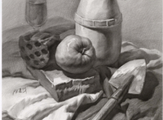 优秀素描静物画:木纹桌子、铁锹、农药壶、蜂窝煤、苹果的组合画法高清图片【可临摹】