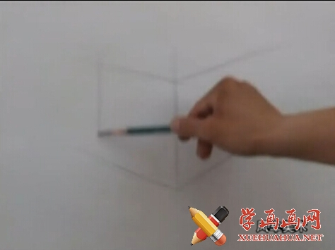 素描入门视频教程《石膏几何体正方体的画法》