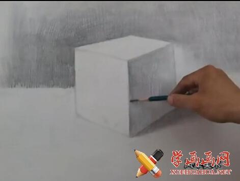 素描入门视频教程《石膏几何体正方体的画法》(2)