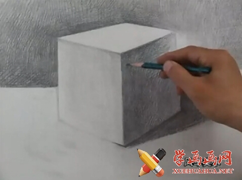 素描入门视频教程《石膏几何体正方体的画法》(4)