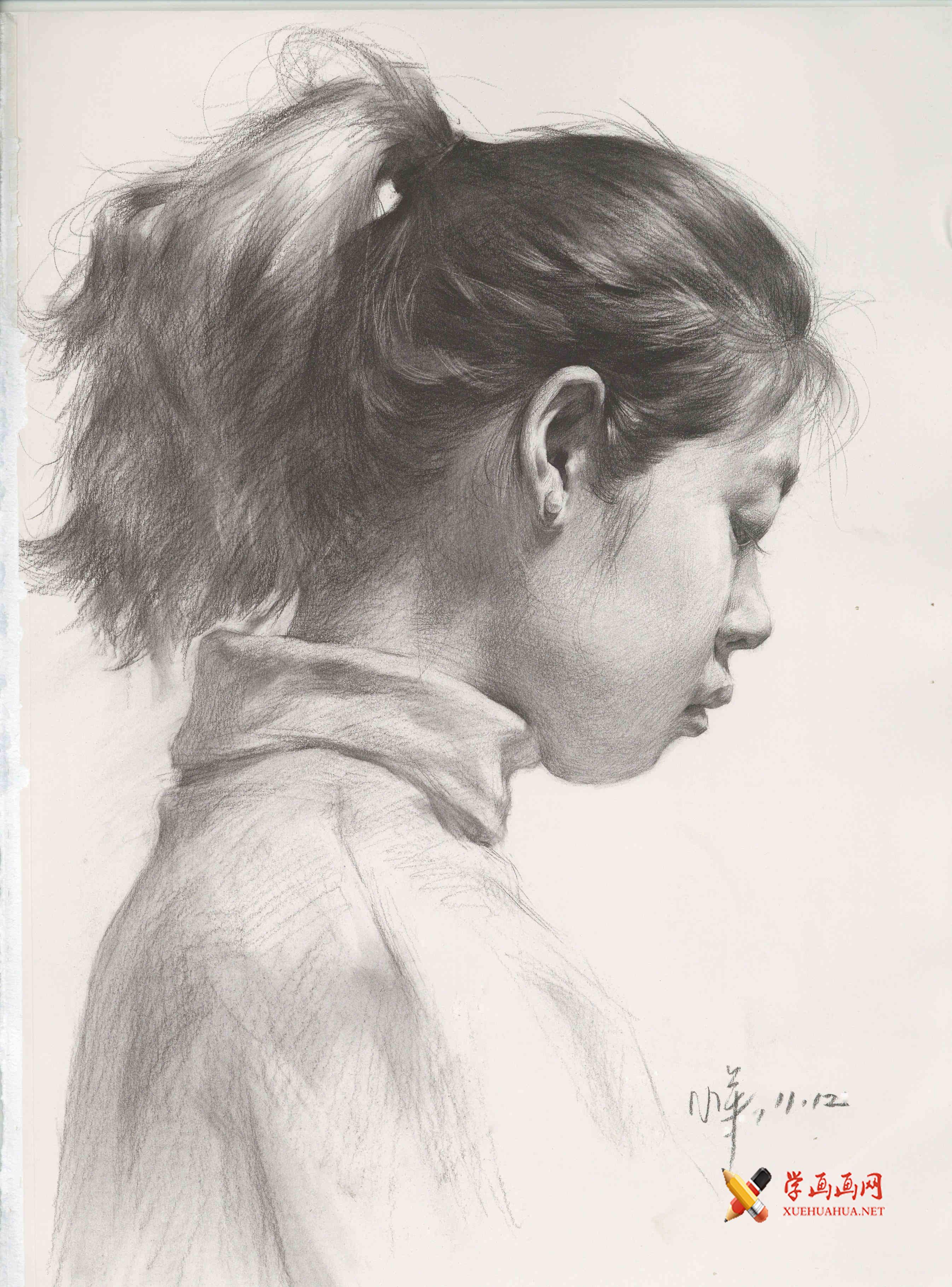 侧面扎马尾的女孩素描头像高清图片临摹素材(1)