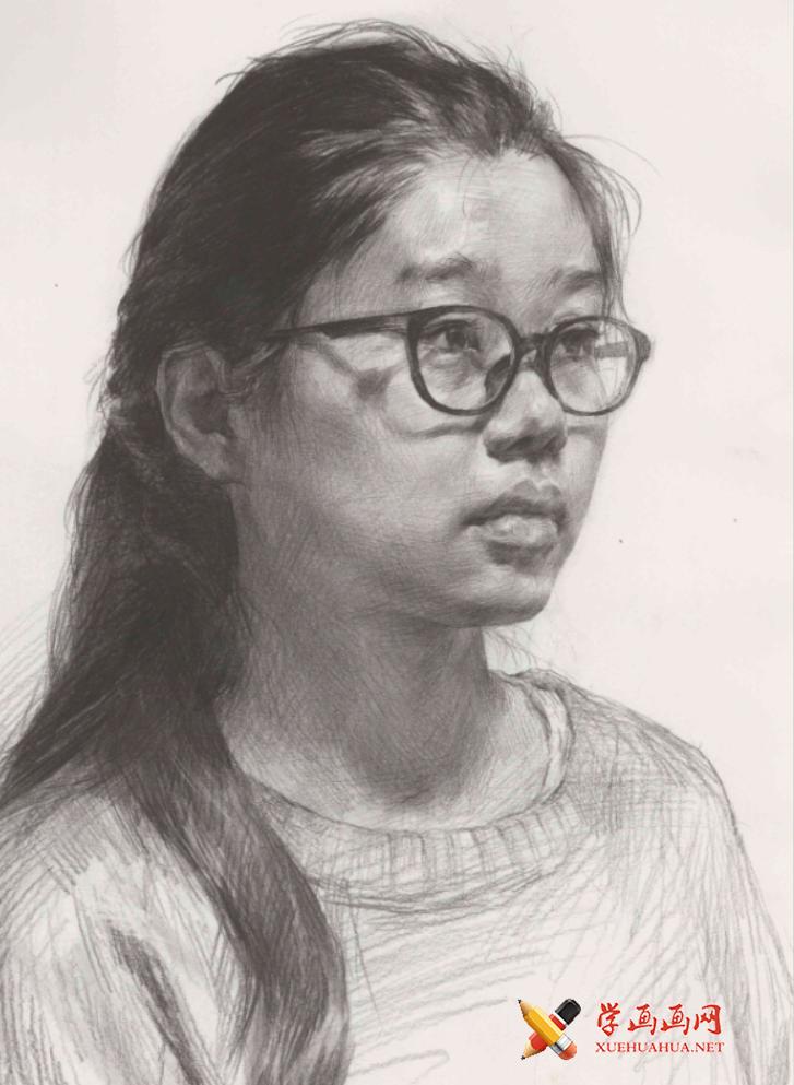 优秀素描头像范画:戴眼镜的侧面女子素描头像高清范画图片(1)