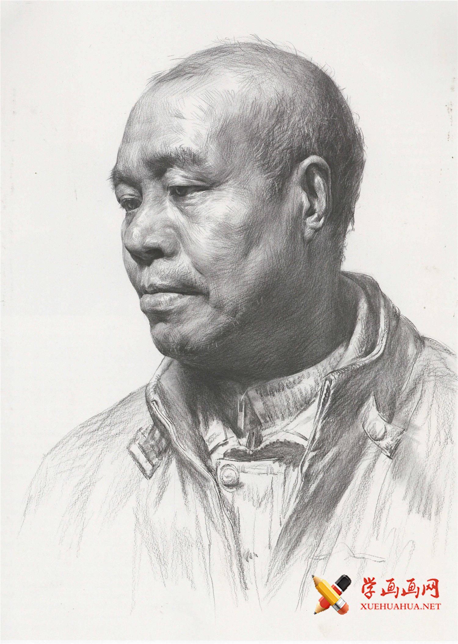 如何画中年男子素描头像?头发稀疏的中年男子侧面素描头像范画图片(1)
